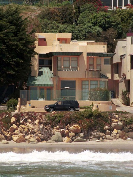Touring Celebrity Homes In Malibu! PLUS Exploring Pacific ...