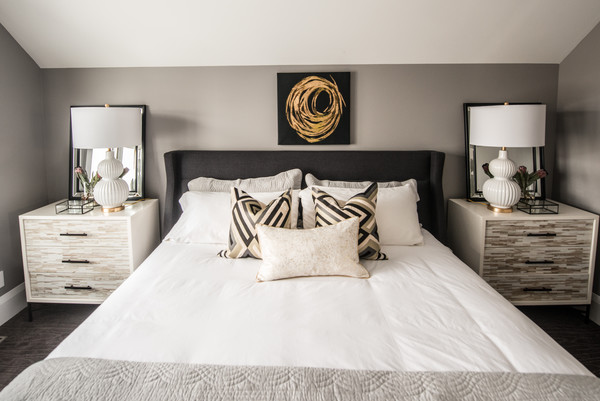 White And Beige Bedding Photos (1 of 2)