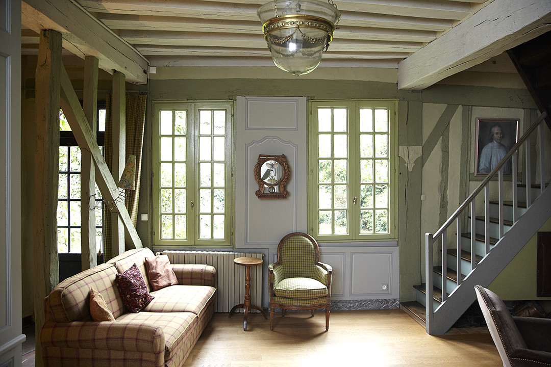 Colonial Living Room Photos Design Ideas Remodel And