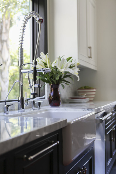 French kitchen photos 13 of 16 lonny - Kitchen sink in french ...