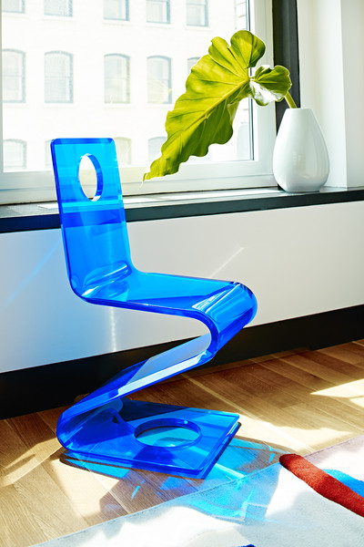 Lucite Chair Photos (1 of 10)