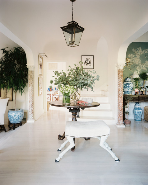Potted tree photos design ideas remodel and decor lonny for Mark d sikes dining room