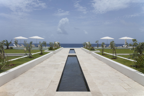Tropical - A pathway to the ocean from the Trident Hotel