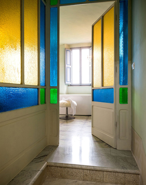 Yellow bathroom photos design ideas remodel and decor for Coloured glass panels