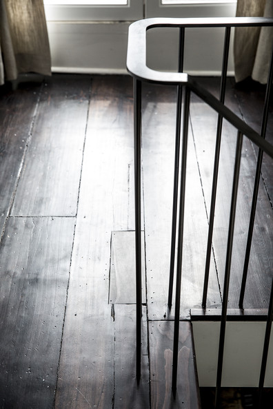 Rustic Staircase Photos (5 of 10)