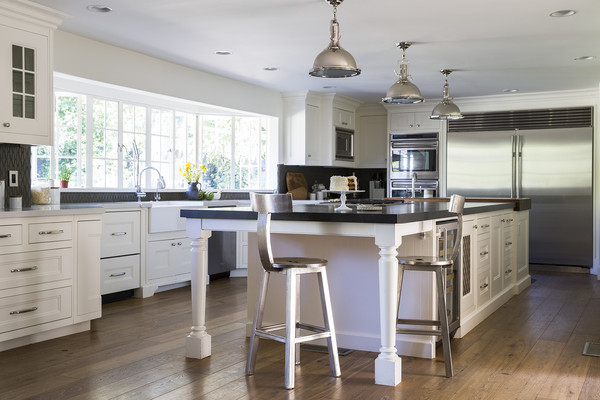 Stainless Steel Appliances Photos (3 of 8)