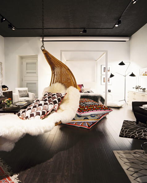 10 Hanging Chairs You'll Want To Cuddle Up In