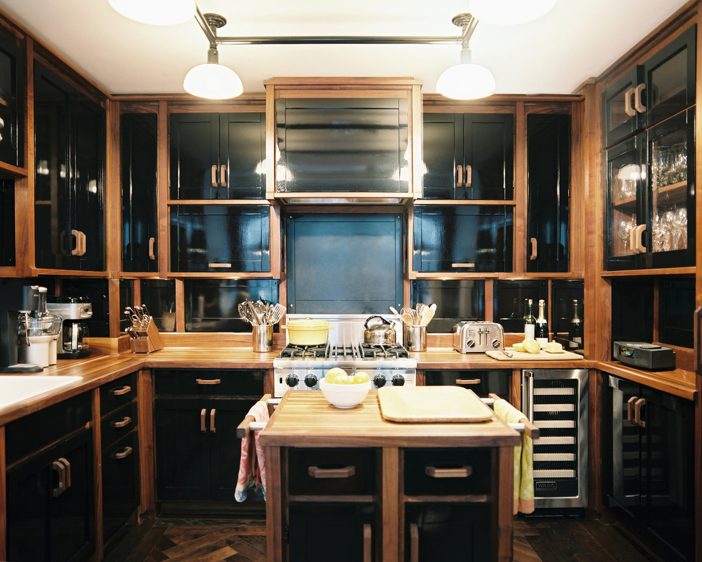 black kitchen cabinets photos 19 of 19. beautiful ideas. Home Design Ideas