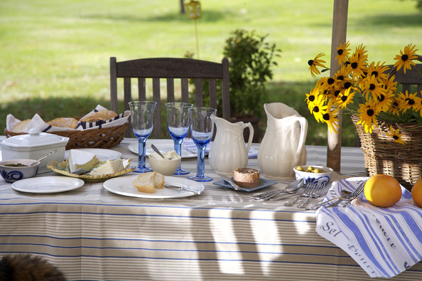 Summer Lunch Photos Design Ideas Remodel And Decor Lonny