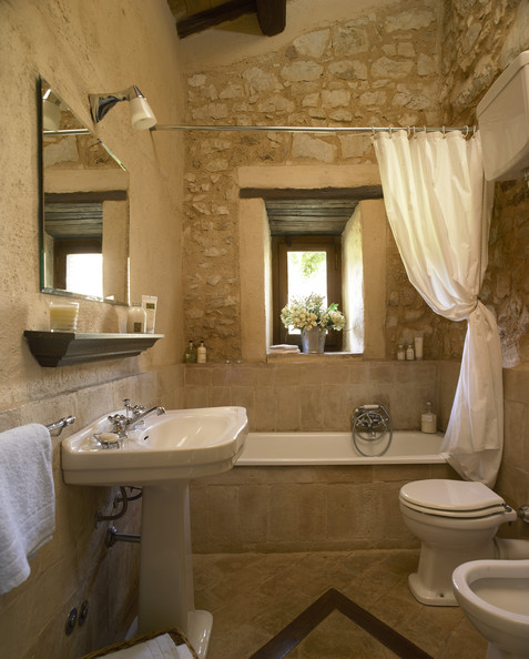 Country bathroom photos 31 of 98 lonny - Small country bathroom designs ...