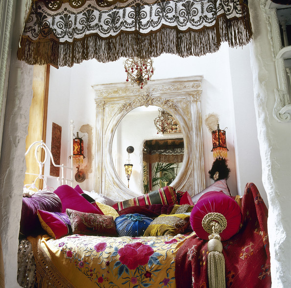 Eclectic bedroom photos 206 of 230 lonny for Eclectic bedroom ideas