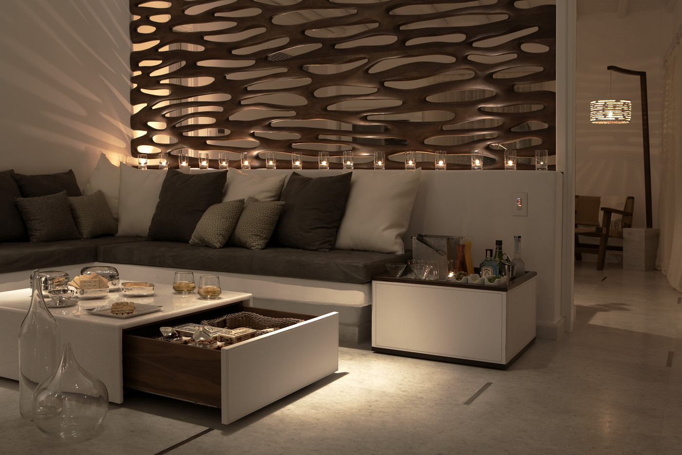 Soft lighting photos design ideas remodel and decor lonny - Living room modern partitions ...