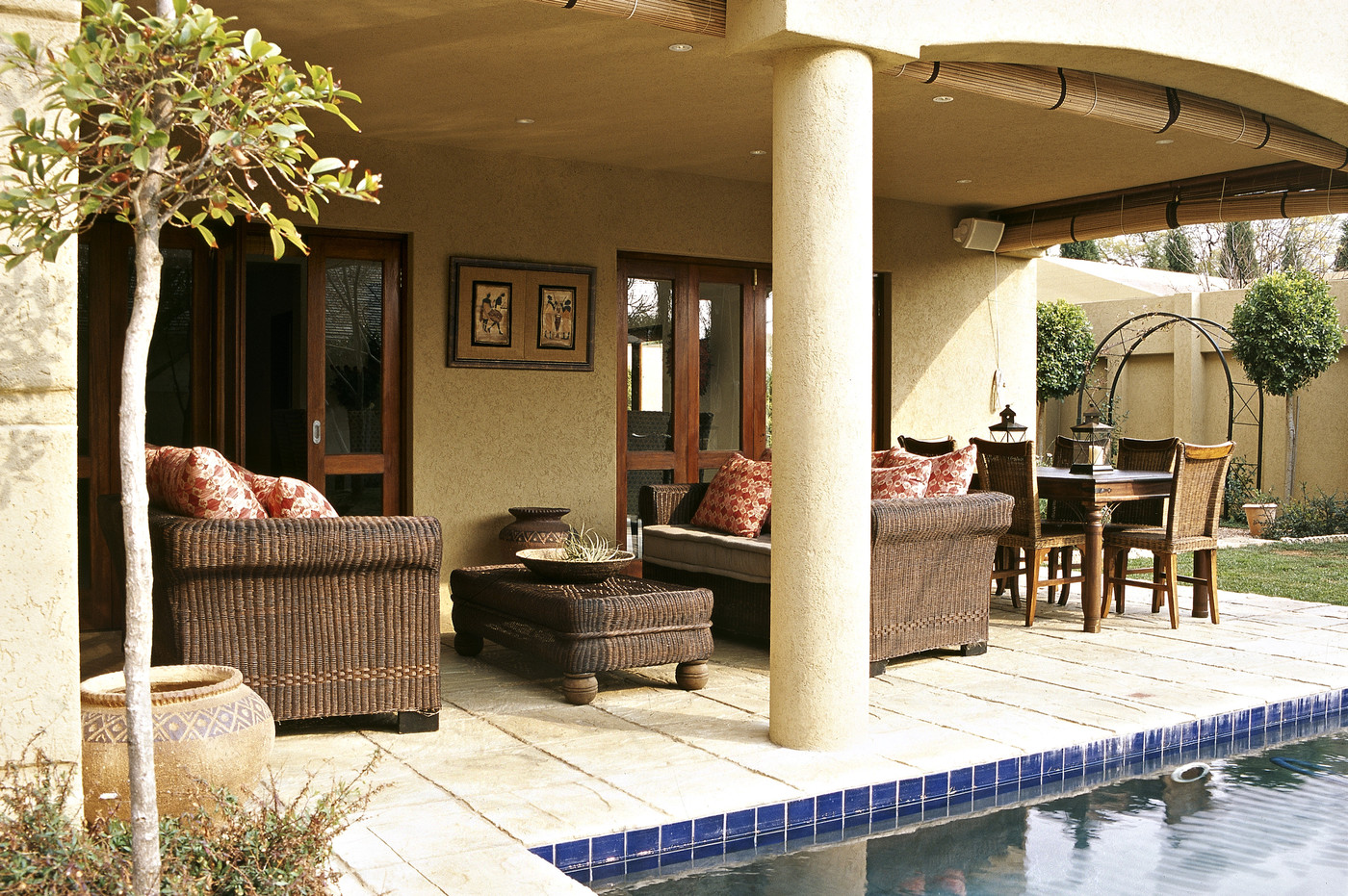 Contemporary mediterranean patio outdoor patio design ideas lonny - Mediterranean backyard designs ...