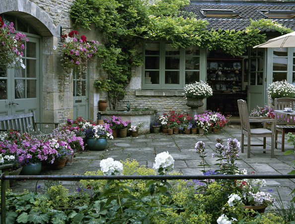 Raised patio ideas photos design ideas remodel and for Country house garden design