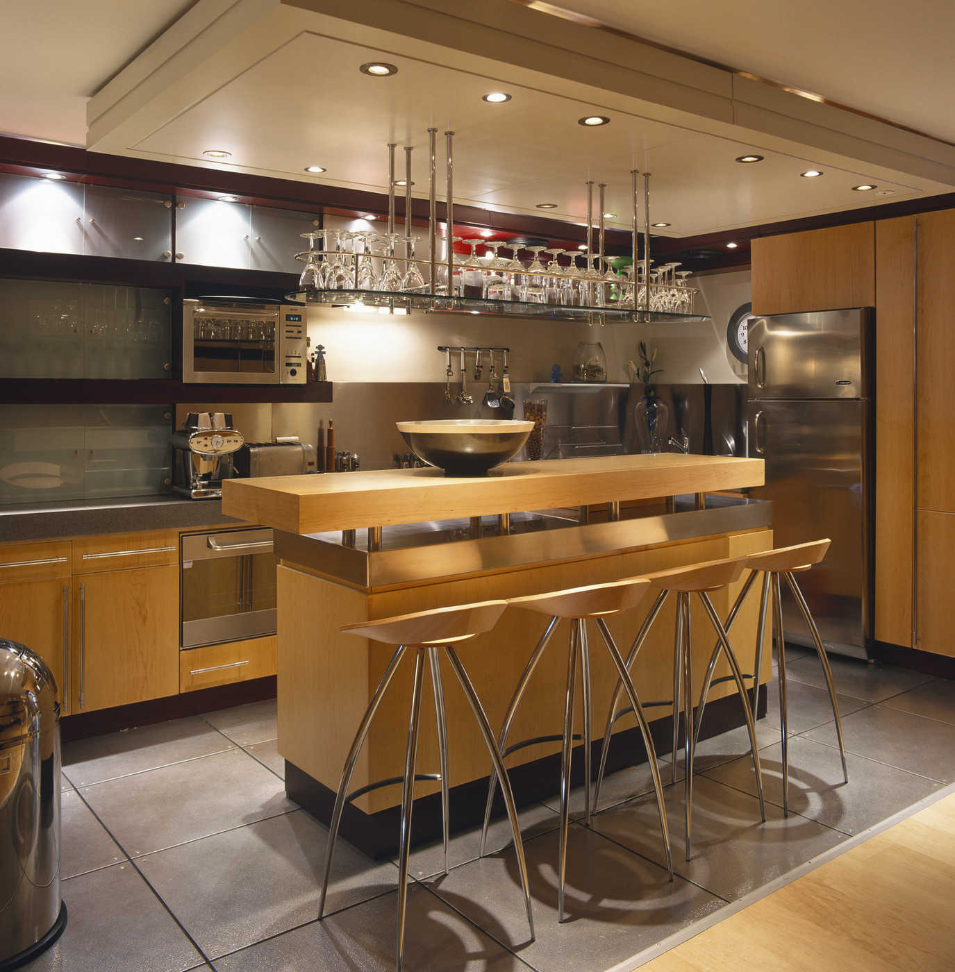 Contemporary Kitchen Vs Modern Kitchen: Brown Modern-Contemporary Kitchen