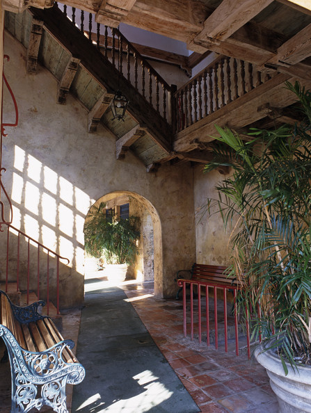 Mediterranean Staircase Photos (8 of 13)