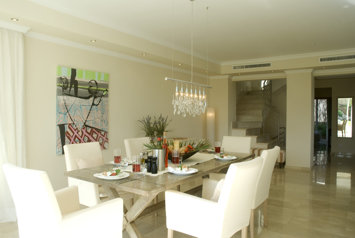 White modern dining room dining room decorating ideas for Dining room furnishing ideas