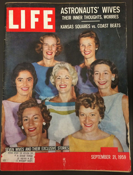 Old issues of LIFE magazine