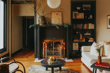 This Dreamy, Moody Home Tour Is Major Holiday Inspo