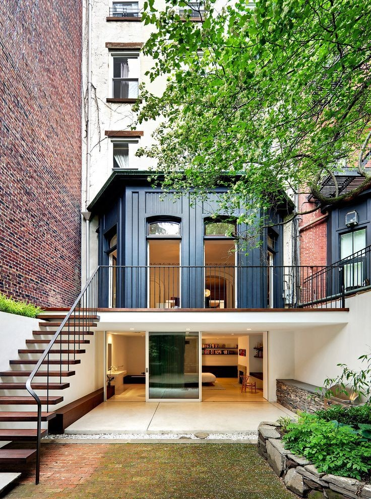 Chelsea townhouse by Julian King Architect.
