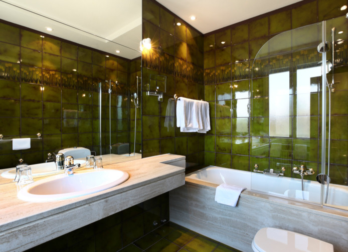 Groovy Green Modern Bathrooms Lonny