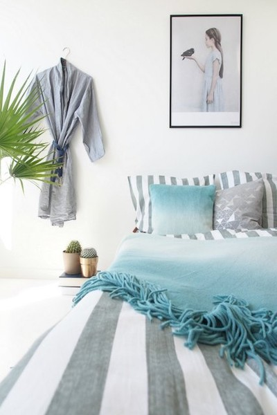 Oversized Pillows Headboard Alternatives That Will Complete Your Bedroom Look Lonny