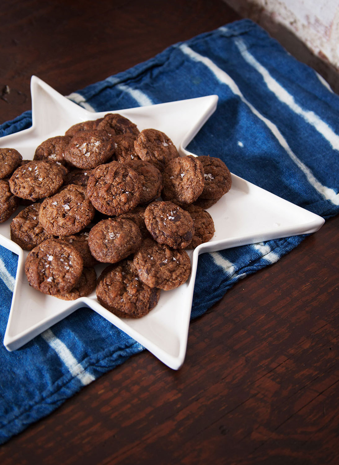 Dark chocolate chip cookies made with Ethiopian teff flour have more fiber than your supermarket variety.
