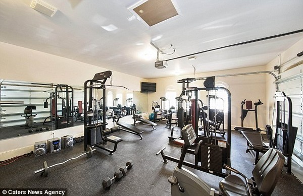 Jason Derulo's Home Gym