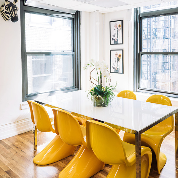 How to maximize your office space in style lonny for How to maximize space in a small room