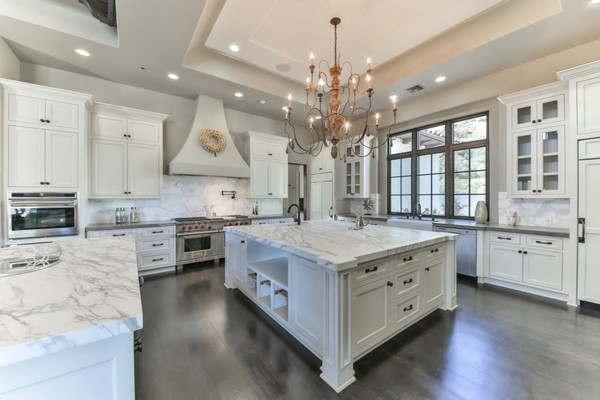 Work Kitch Britney Spears Is Selling Her 9 Million Dollar Home For A 21 Acre Estate Lonny