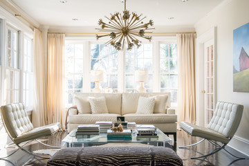 A Classic Westchester Cottage Goes Glam