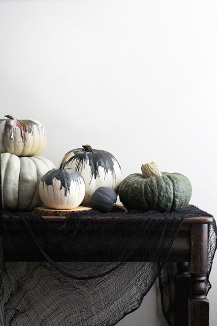 Diy to try five minute modern art pumpkins do it yourself courtesy of apartment 34 courtesy of apartment 34 this modern art style pumpkin diy solutioingenieria Gallery
