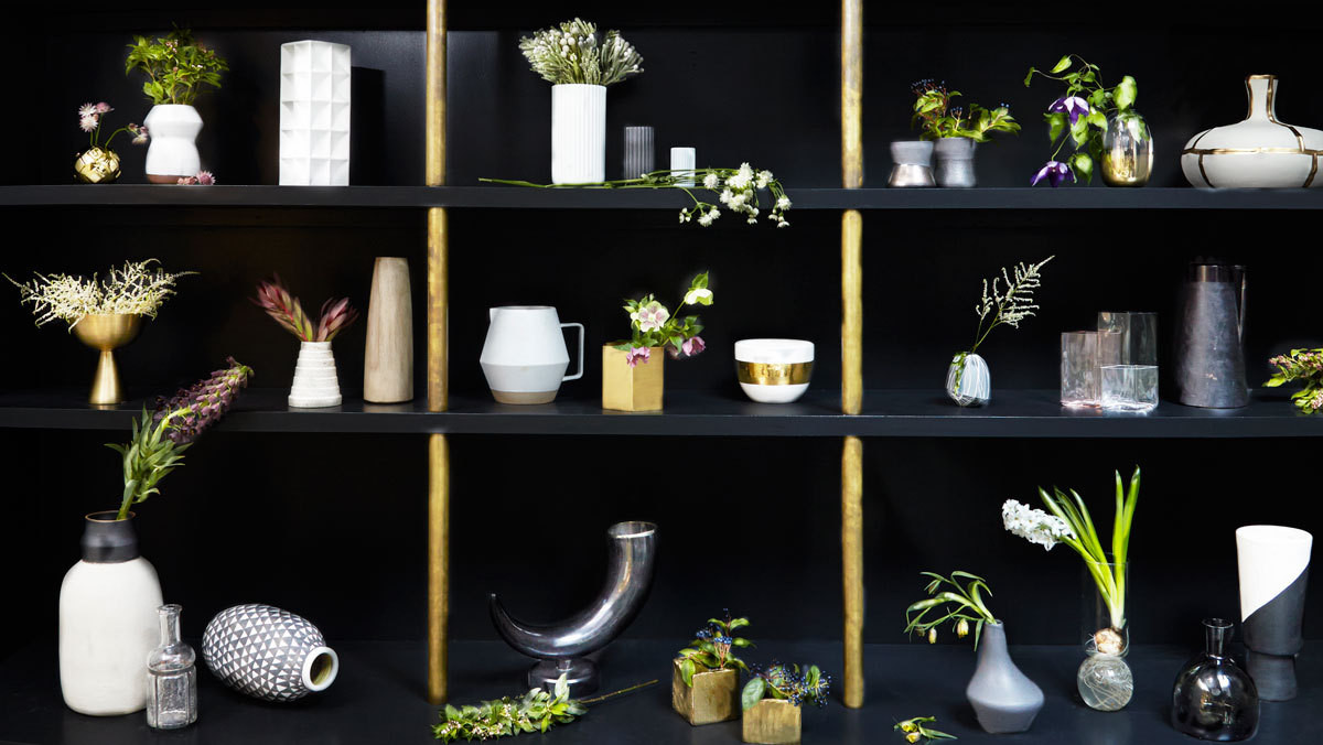 A lineup ofedgy vessels and moody, masculine florals, shotin the Manhattan studio of Apparatus.