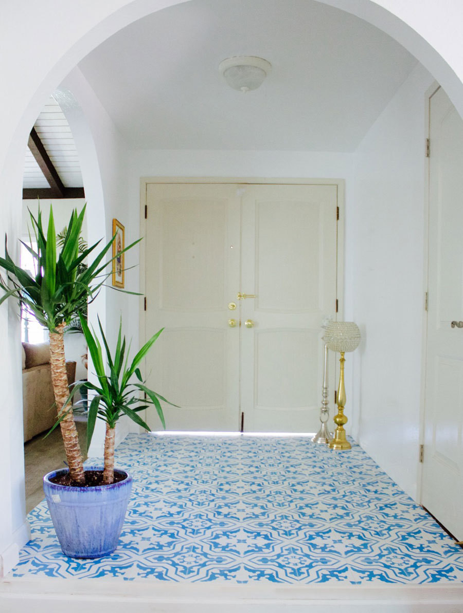 The high-impact entry, with Villa Lagoon's Talia Azure tile.