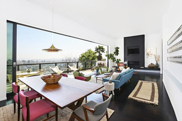 Explore Kristen Wiig's Seriously Stylish L.A. Home