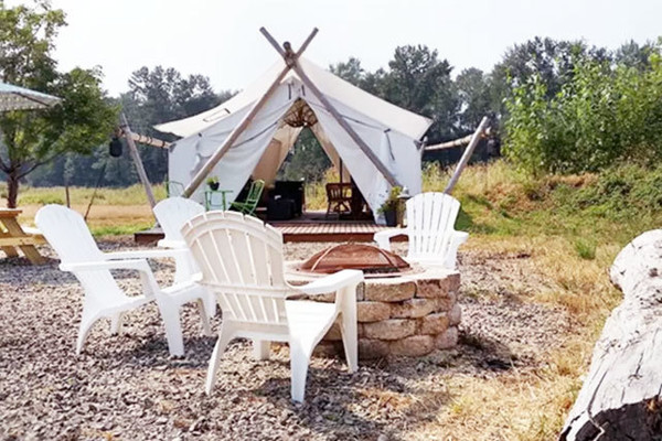 Camping Chic In Monroe Wa The Best Glamping Spots On Airbnb Lonny