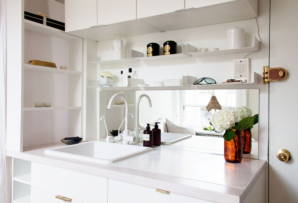 Five Ideas To Steal From A Tiny New York City Kitchen Home Tour Lonny