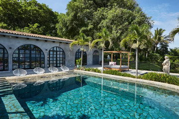 Betsey Johnson's Amazing Mexican Villa Is On Airbnb
