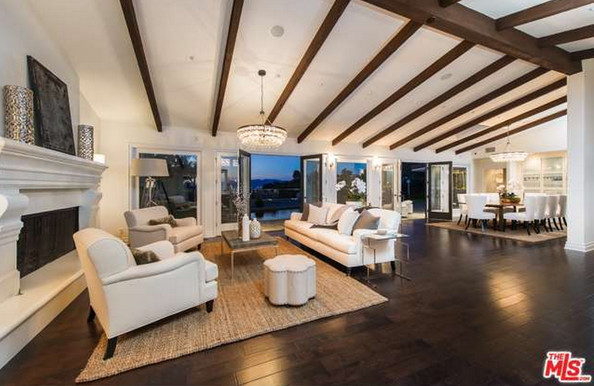 Mila Kunis Los Angeles Mansion · The Living Room