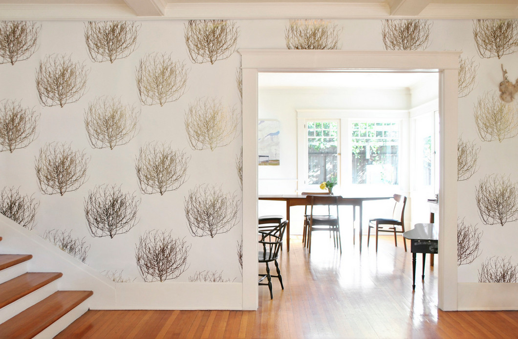 The tumbleweed trend in 2D; wallpaper by Carter Design.