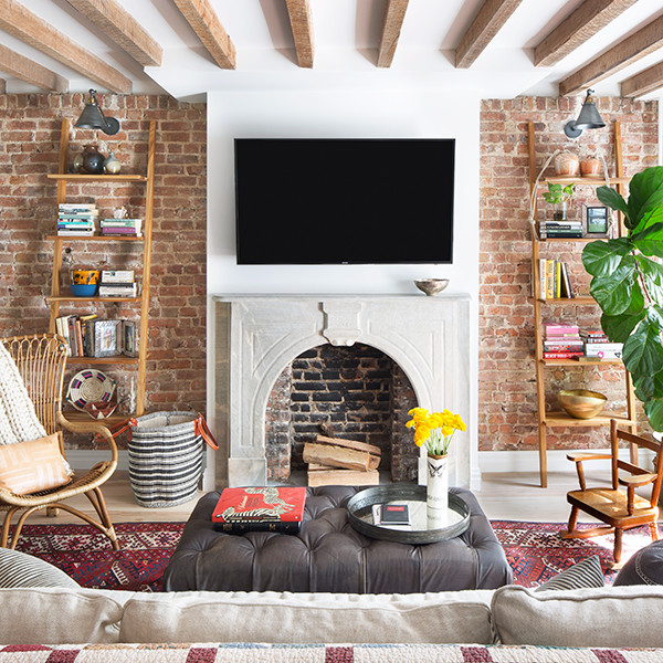 Natural Wood Accents For A Cozy Rustic Style