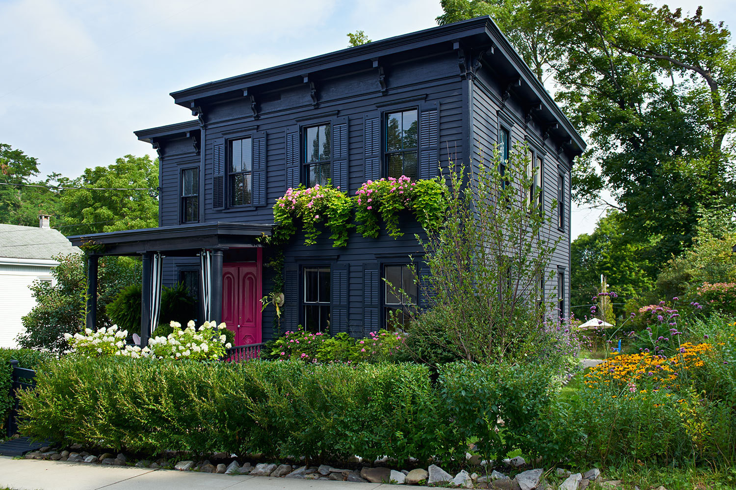 Before after reimagining a victorian home tours 2014 for Black and white house exterior design