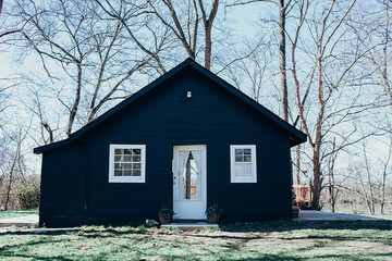 "A 400 Square-Foot Nashville ""Shack"" Gets A Sleek Facelift"