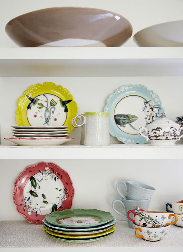 Patterned dinnerware adds playfulness to the modern kitchen.