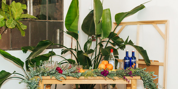 4 Tips On Throwing An Amazing Holiday Party From Studio Table