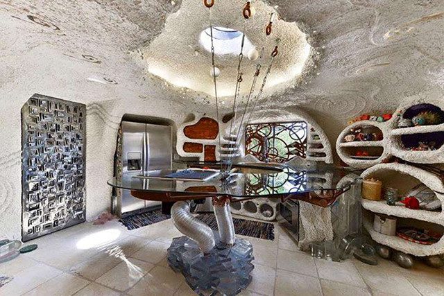 Airbnb Like The Flintstone's In This Landmark Home