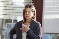 Jennifer Aniston Gets a Major Make-Under for Her New Movie