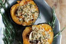 Easy Weeknight Dinner: Stuffed Acorn Squash