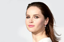 The Retro-Glam Style of Felicity Jones