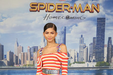 Look of the Day: Zendaya's Chic Stripes